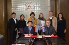 Wang Fengming, President of HGU and Ingimar G. Haraldsson, Deputy director of UNU-GTP at the signing ceremony