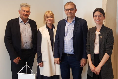 From left: Jon Karl Ólafsson (Chairman of GRÓ Board), Bryndís Kjartansdóttir (Director, GRÓ Centre), Sigurður Guðjónsson (Director, MFRI), and Mary Frances Davidson (Deputy Director, GRÓ Fisheries Training Programme)